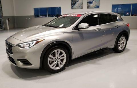 Pre-Owned 2017 INFINITI QX30